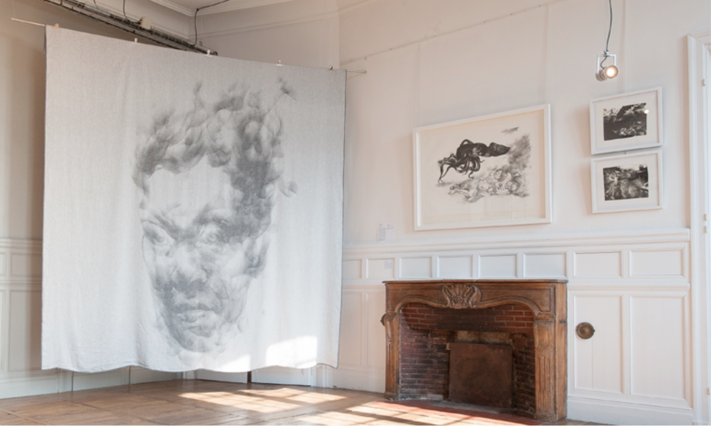 Woven picture, Diane Victor and Côme Touvay, on display at Château de Nontron 300 x 320cm, 100% woven linen © Atelier Le Grand Village