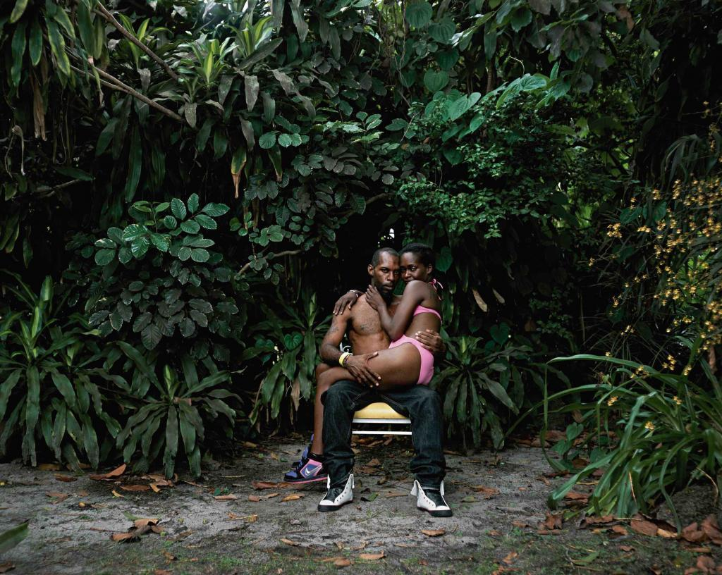 Deana Lawson Oath,​ 2013 40 x 50 in (101,6 x 126 cm) ​Courtesy of the Artist