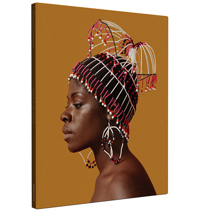 Black is Beautiful by Kwame Brathwaite. Buy this art book on artskop.com by clicking on the image. COVID-19 : 10 Art Books to read now