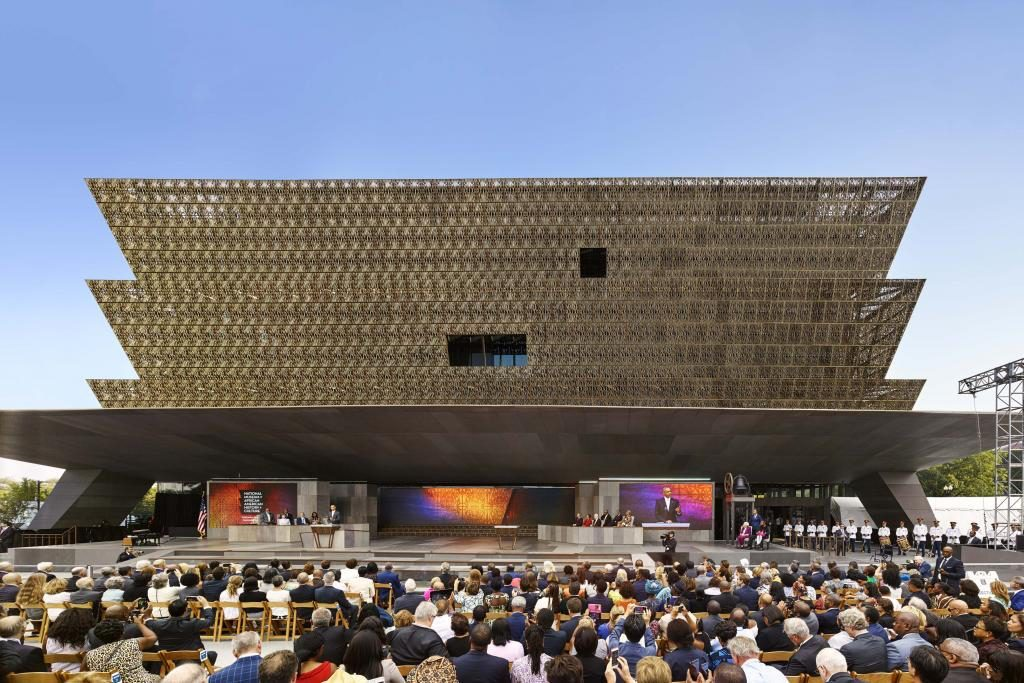 Smithsonian National Museum of African American History and Culture © Alan karchmer 10 Museums of Contemporary Art To explore African and American Art